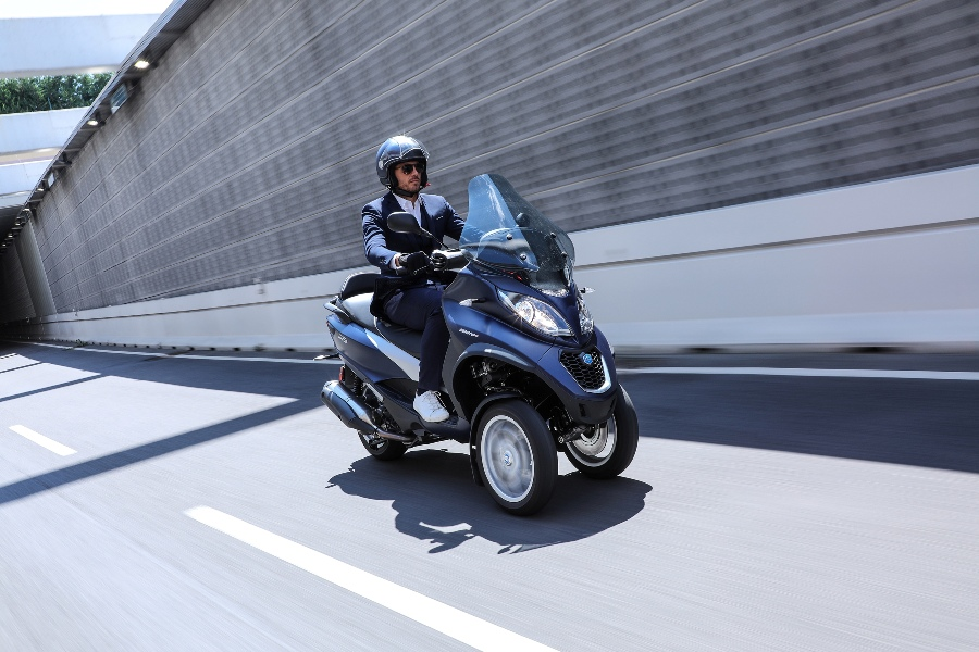 03 Piaggio MP3 500 hpe Business