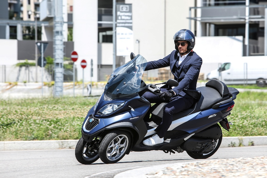 05 Piaggio MP3 50 hpe Business