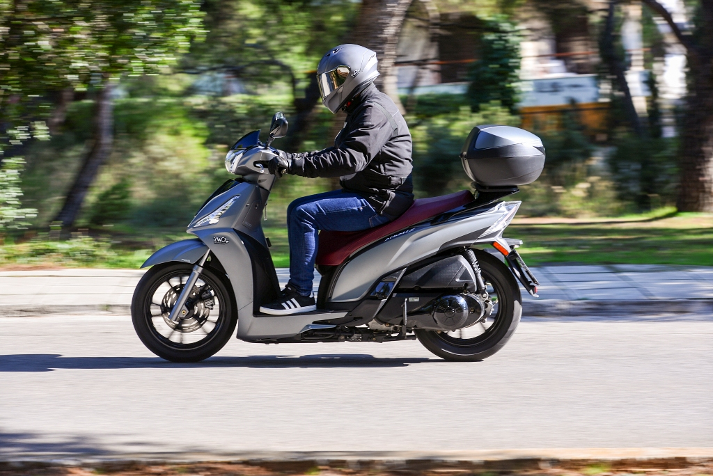 kymco people s 300i action 3