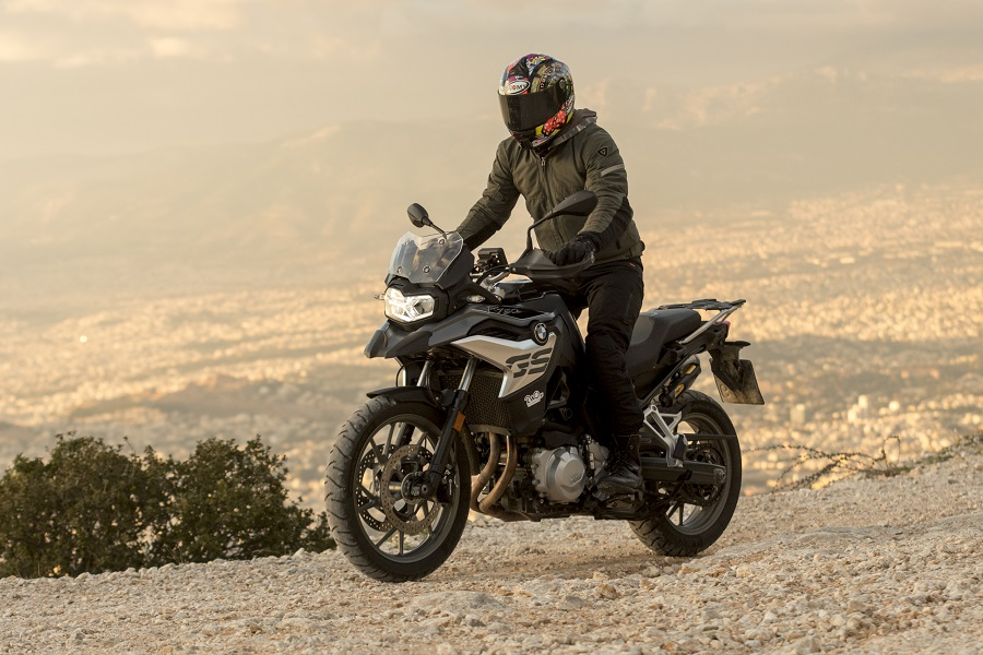 BMW F750GS action 10