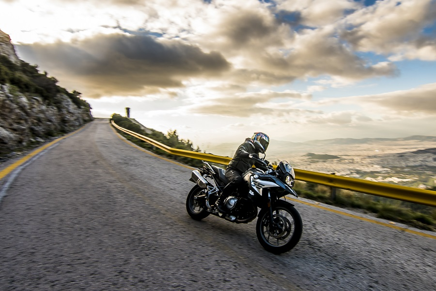 BMW F750GS action 3