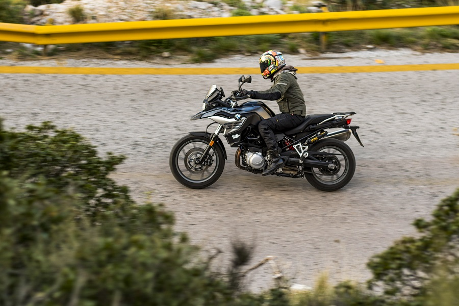 BMW F750GS action 4