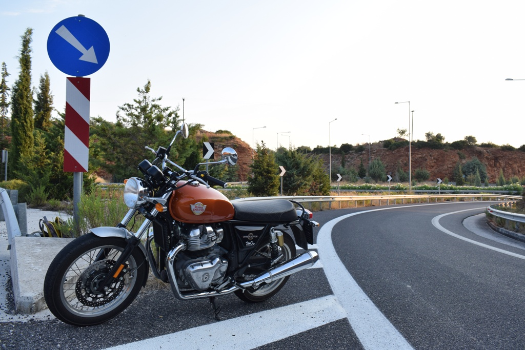 royal enfield interceptor 650 ambience 1 2