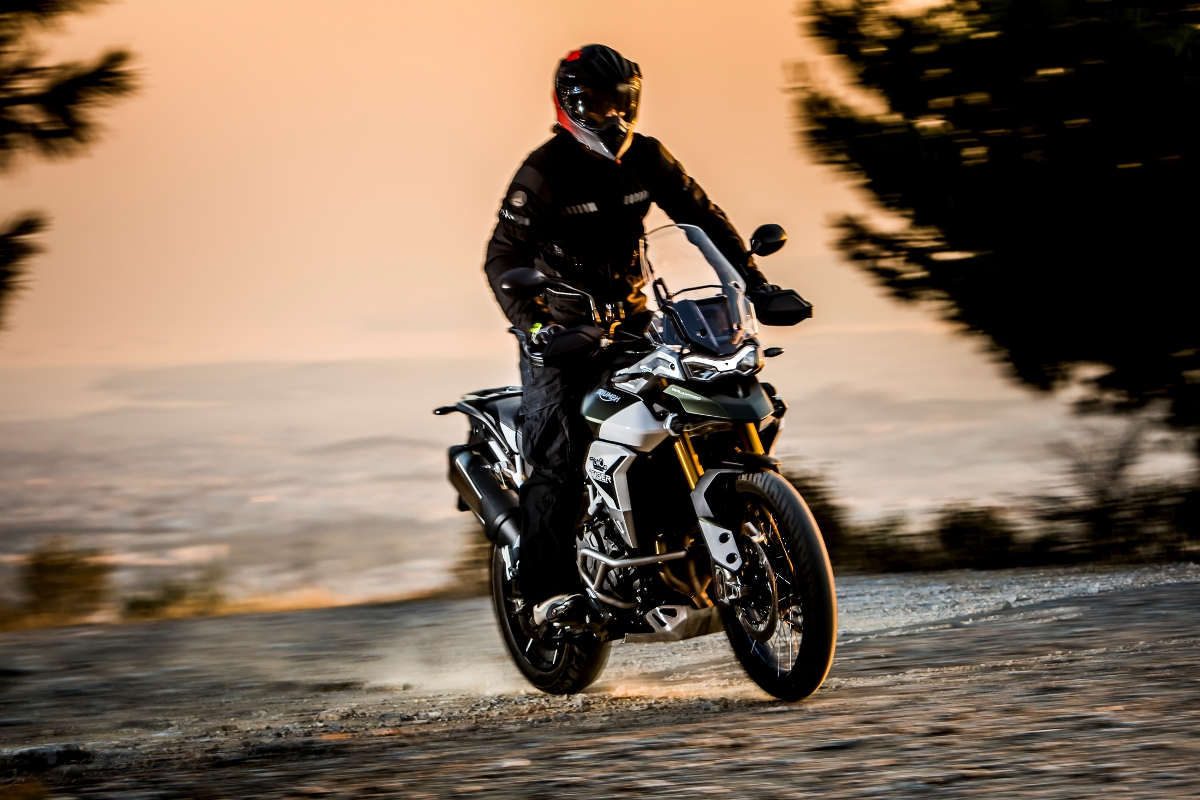 Triumph Tiger 900 Rally Pro action 20